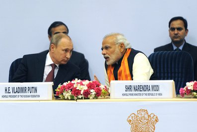 Putin and Modi Raise Cheers on First Day of World Diamond Conference