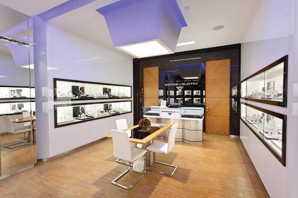Салон ювелирных украшений янтарная корона также находится в списке наших заказчиков
